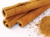 Cinnamon-sticks-with-powder